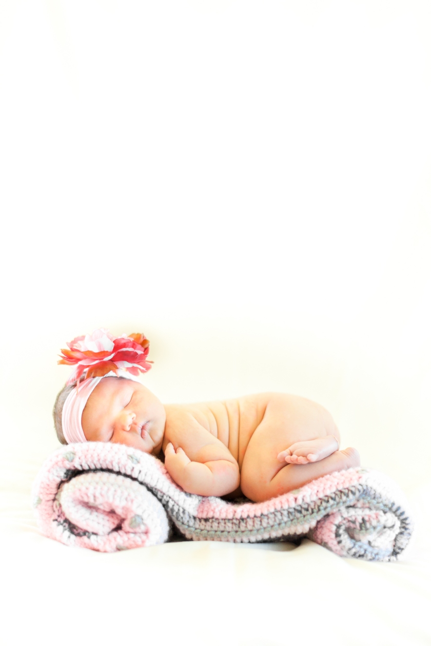 WEB_MackenzieWicks-Newborn2015©HeatherEastPhotography15IMG_5654